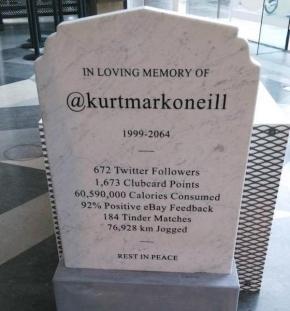 Profils réseaux sociaux: Bientôt sur les pierres tombales?….